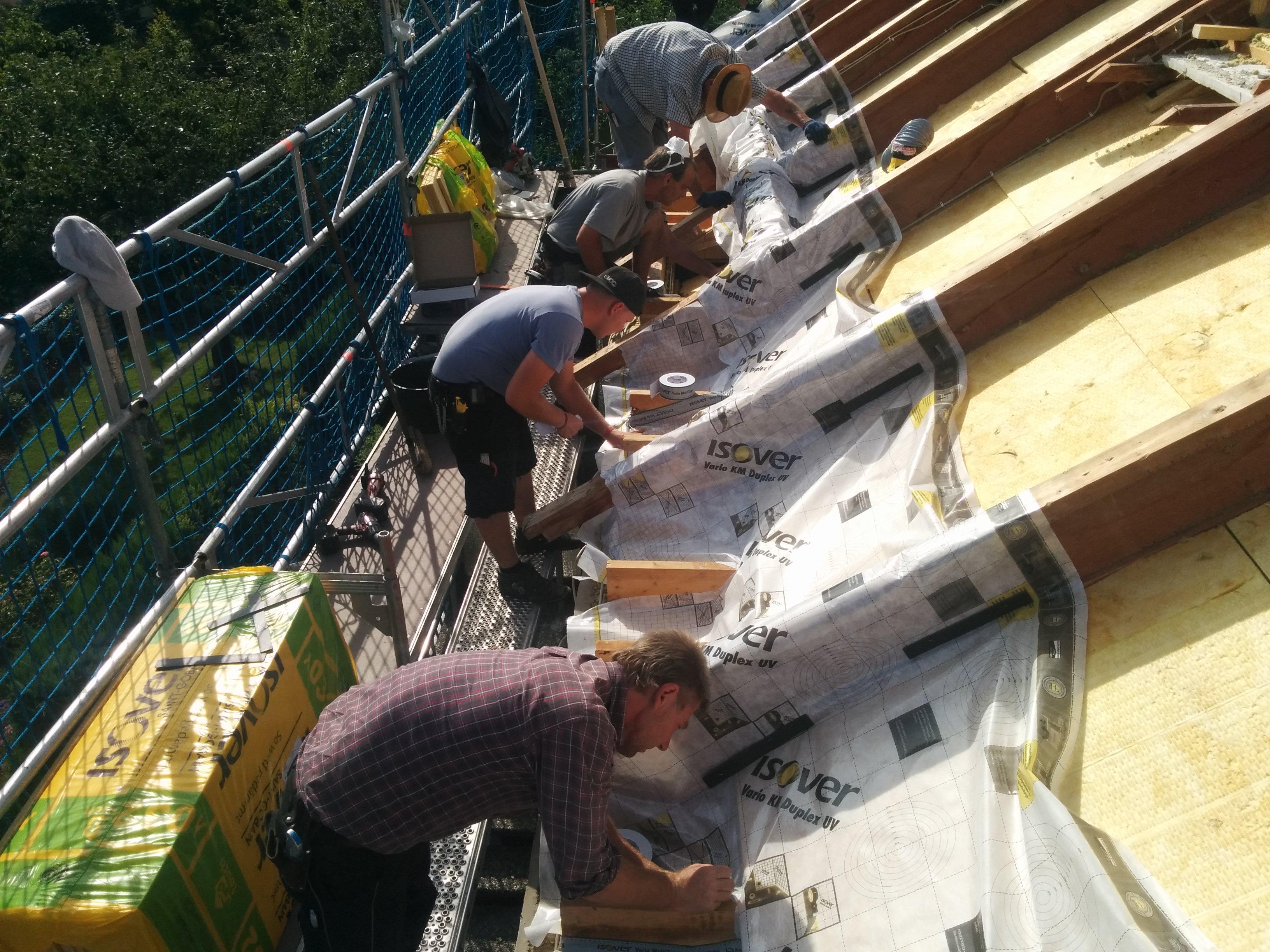 dachsanierung nach erfolgter mangelhafter sanierung eines okal daches in barsinghausen. Black Bedroom Furniture Sets. Home Design Ideas